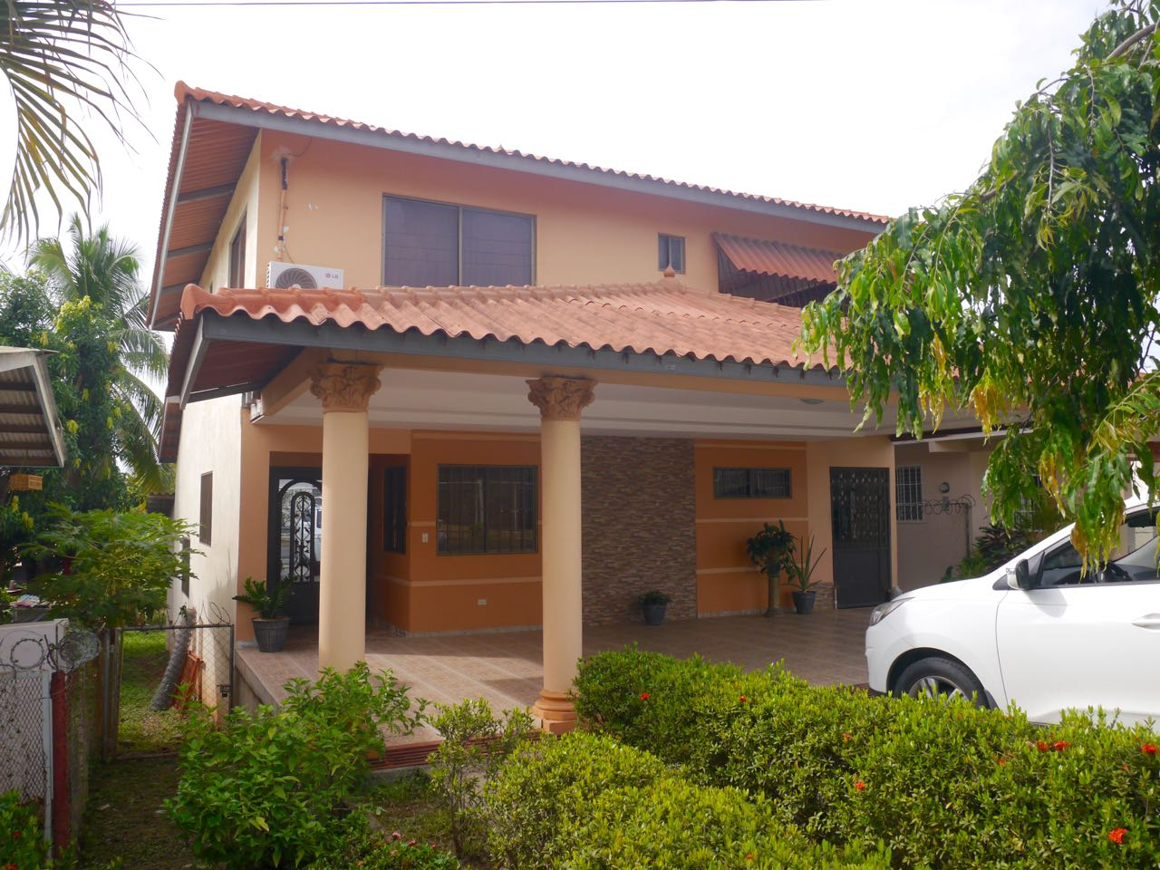TWO-STORY HOUSE IN CHITRE