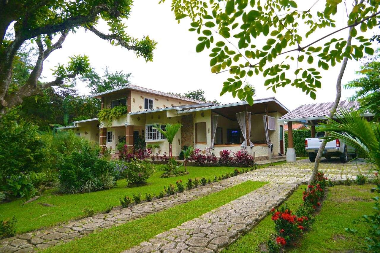 MOUNTAIN HOUSE AND GARDEN