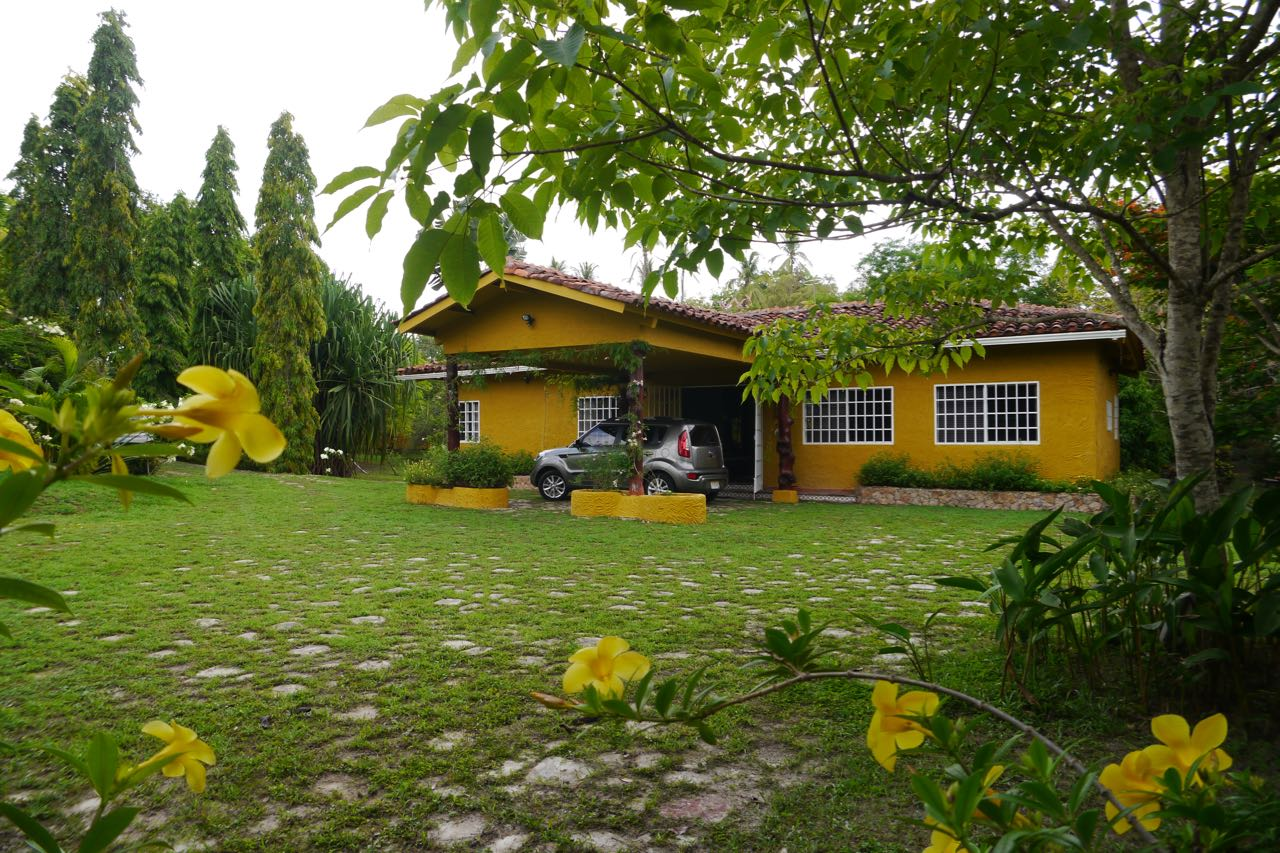 COUNTRYSIDE HOME IN MARIA VICENTA