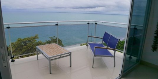 3 BEDROOM BEACHFRONT LOFT