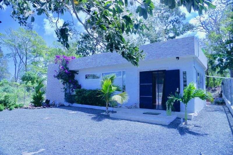 Punta chame maison 2 chambres style minimaliste for Maison style minimaliste