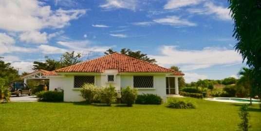 COLONIAL STYLE HOUSE IN EL BOULEVARD