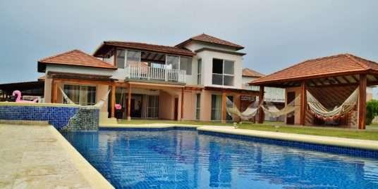 STUNNING LAKEFRONT VILLA IN COSTA BLANCA