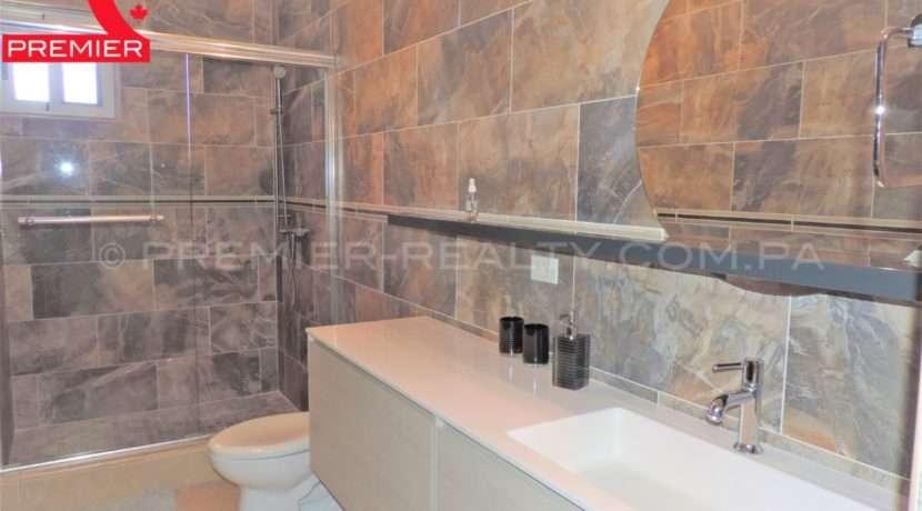 WM DSCN1093 Real Estate Panama