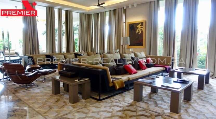 C1711-182 - 17 Real Estate Panama
