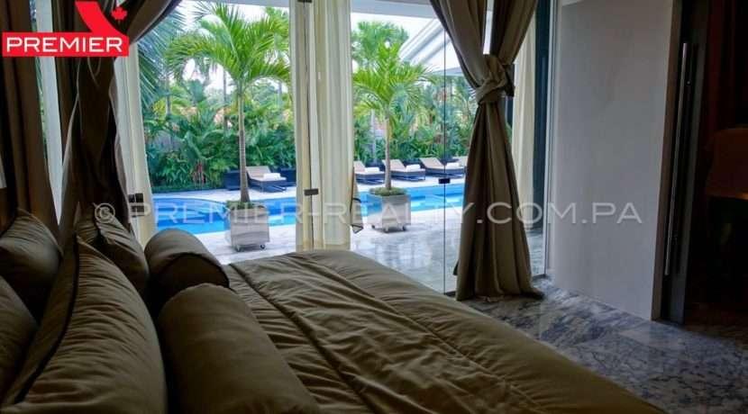C1711-182 - 18 Real Estate Panama