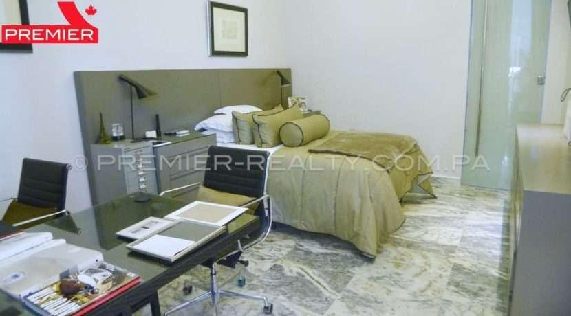 C1711-182 - 2 Real Estate Panama