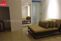 C1711-182 - 28 Real Estate Panama