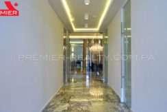 C1711-182 - 31 Real Estate Panama