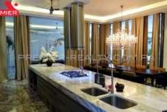 C1711-182 - 33 Real Estate Panama