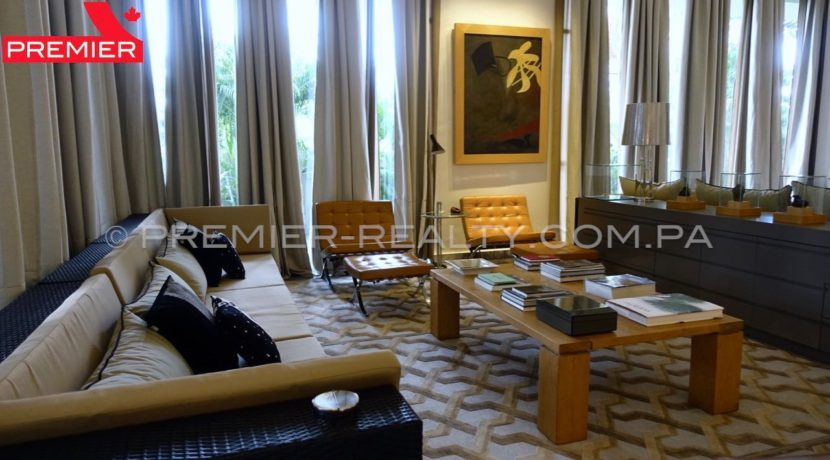C1711-182 - 34 Real Estate Panama