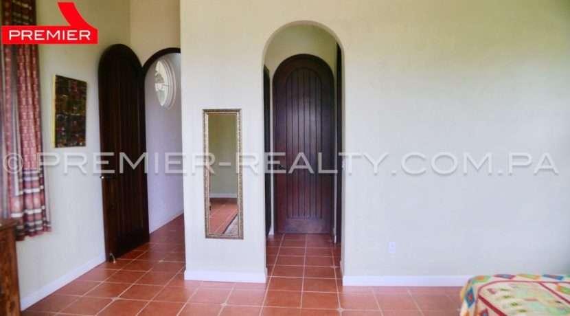 C1808-167 - 109 panama real estate