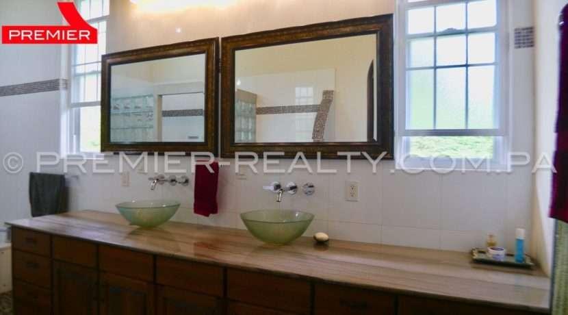 C1808-167 - 110 panama real estate