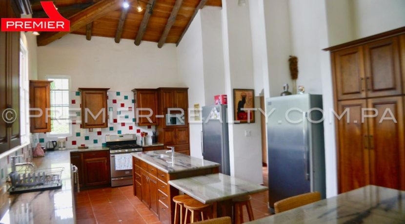 C1808-167 - 53 panama real estate