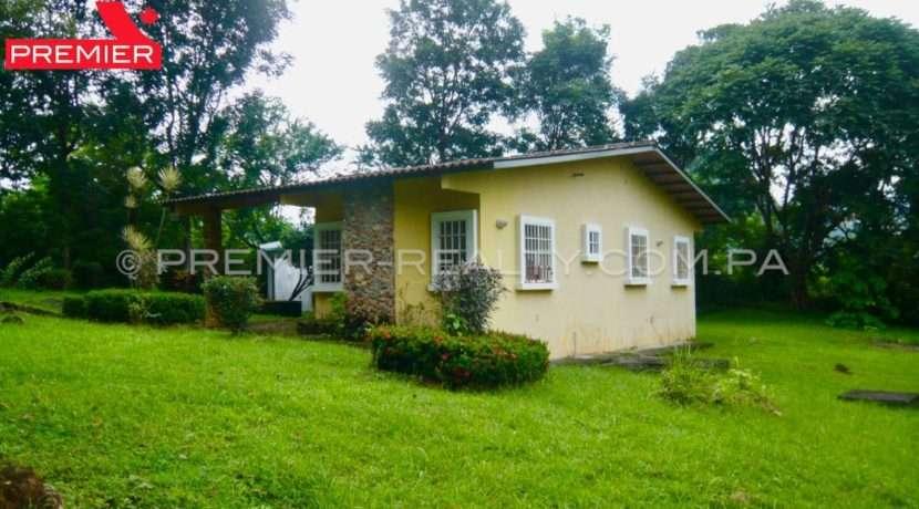 C1809-221 - 8 panama real estate