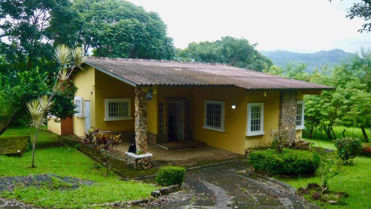 CHARMING LITTLE PANAMANIAN HOUSE