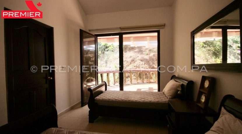 C1902-021 - 43 panama real estate