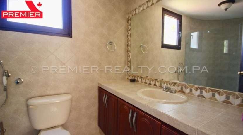 C1902-021 - 45 panama real estate