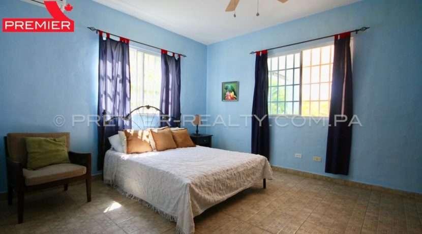 C1903-111 - 17 panama real estate