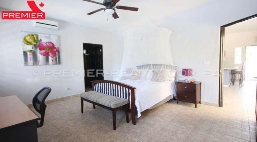 C1903-111 - 24 panama real estate