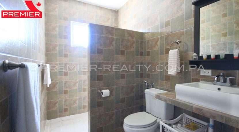 C1903-111 - 25 panama real estate