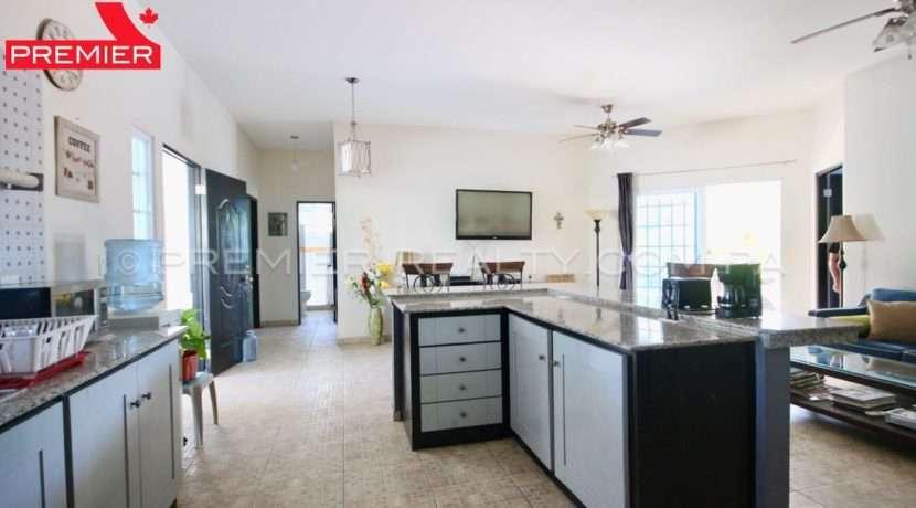 C1903-111 - 36 panama real estate
