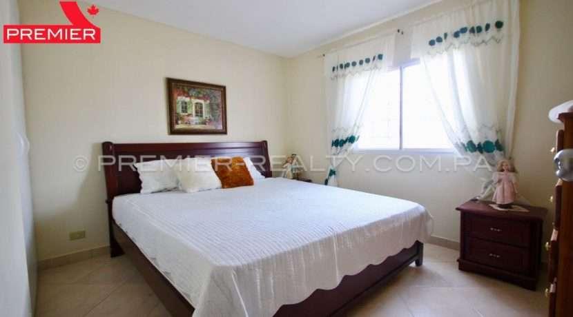C1904-101 - 13 panama real estate