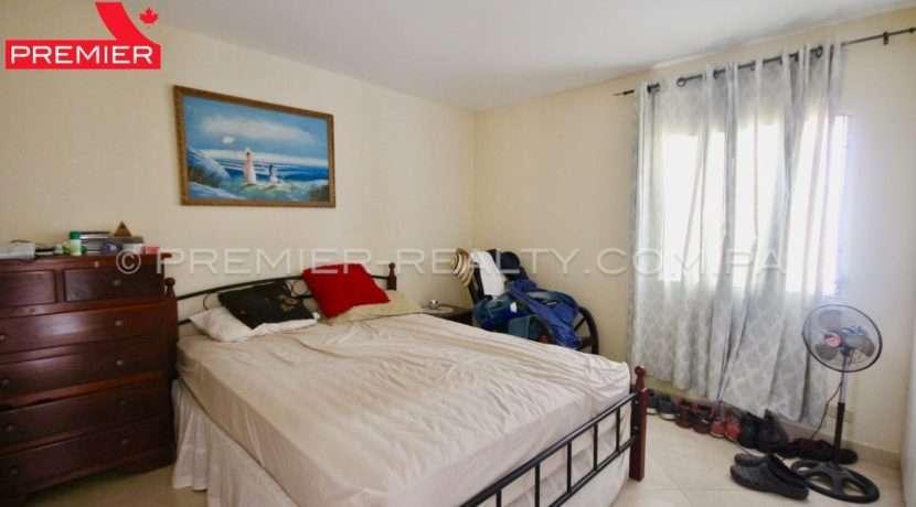 C1904-101 - 24 panama real estate