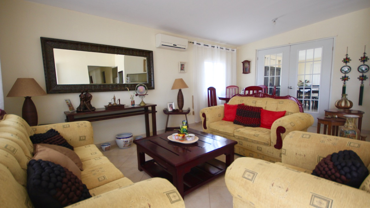 FIRE SALE – NICE FOUR-BEDROOM HOUSE WITH POOL