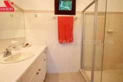 C1905-152 - 18 panama real estate