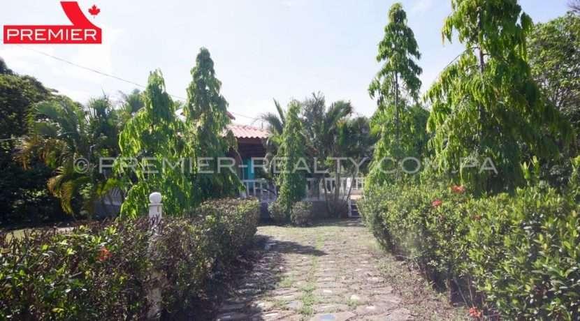 C1906-081 - 10 panama real estate