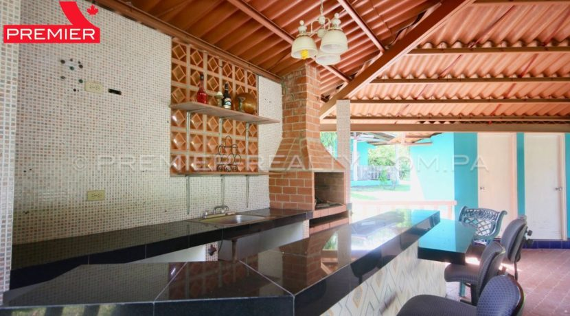 C1906-081 - 14 panama real estate
