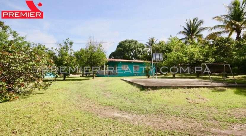 C1906-081 - 20 panama real estate