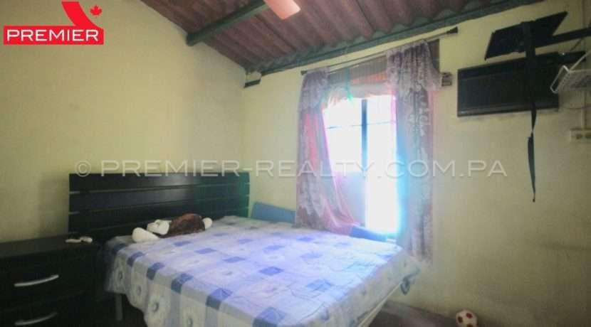 C1906-081 - 44 panama real estate
