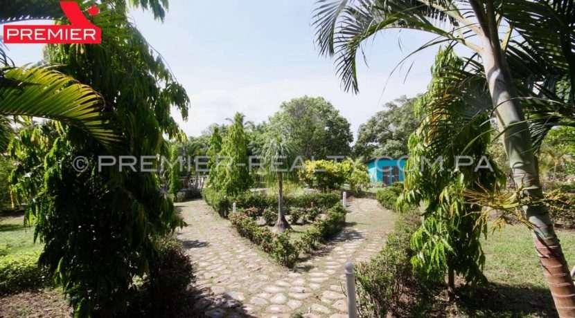C1906-081 - 49 panama real estate