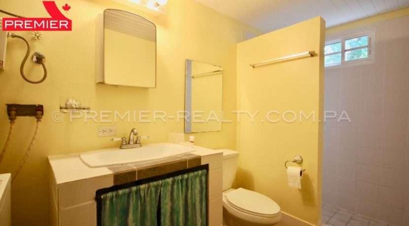 C1906-271 - 24 panama real estate