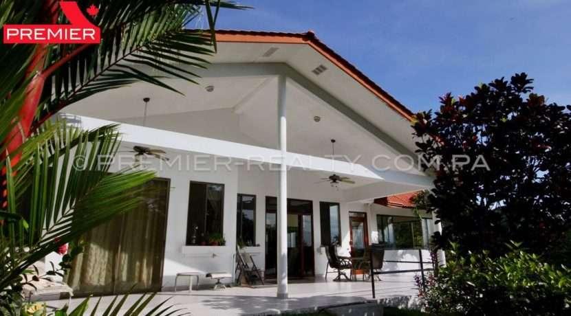 C1910-021 - 25 panama real estate