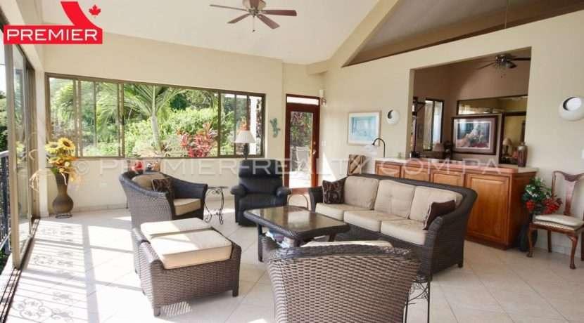 C1910-021 - 52 panama real estate