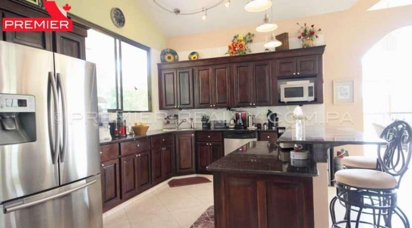 C1910-021 - 58 panama real estate