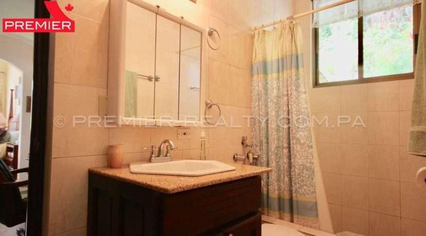 C1910-021 - 66 panama real estate