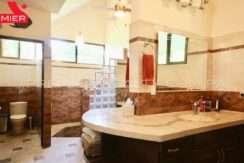 C1910-021 - 70 panama real estate