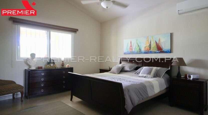 C1910-281 - 52 panama real estate