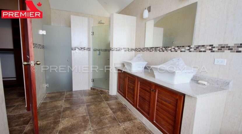 C1911-041 - 48 panama real estate