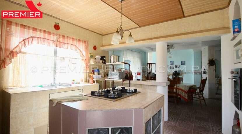 C1912-021 - 32 panama real estate