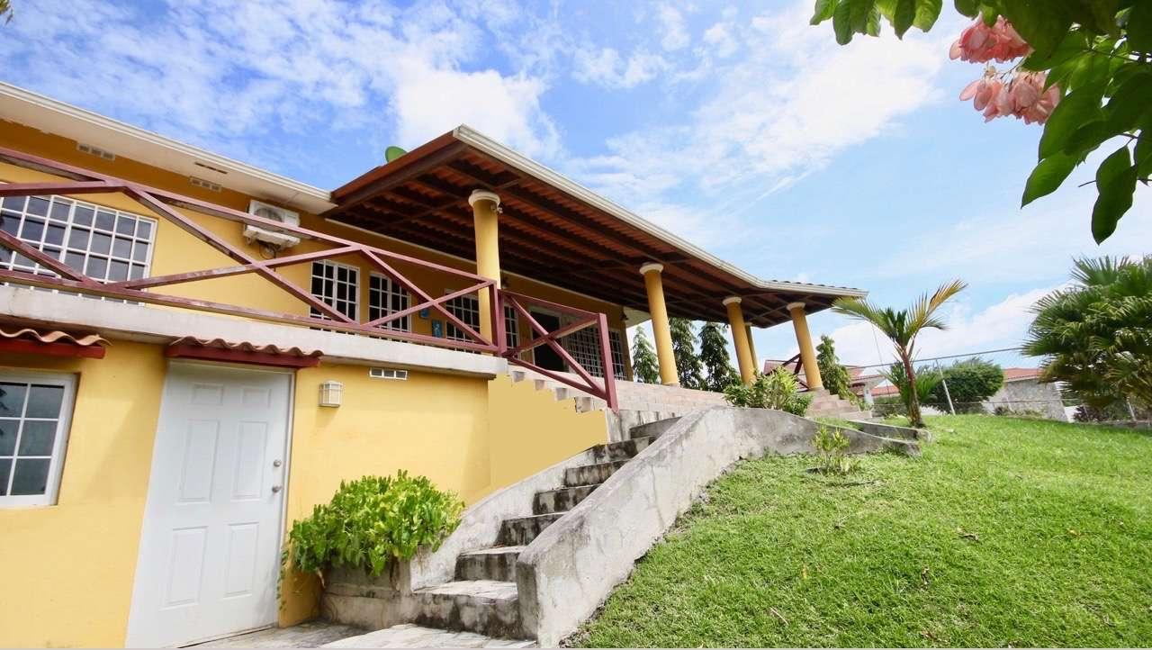 NICE FAMILY HOUSE IN EL ESPINO – SAN CARLOS