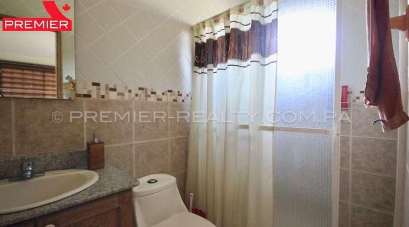 C1911-301 - 25 panama real estate