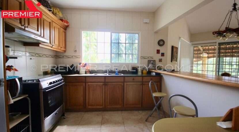 C1911-301 - 28 panama real estate
