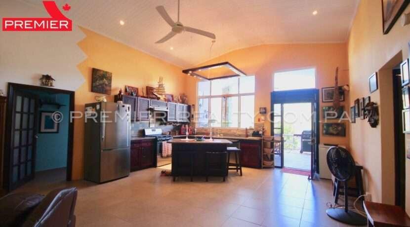 C2001-031 - 39 panama real estate