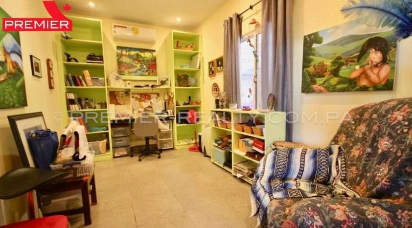 C2001-031 - 47 panama real estate