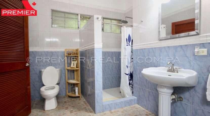 C2002-291 - 39 panama real estate